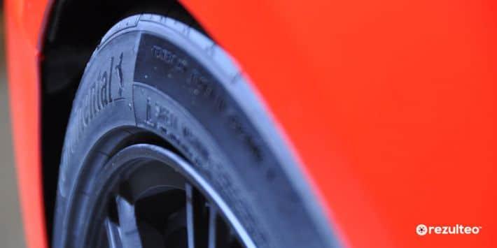 Neumáticos con protector de llanta