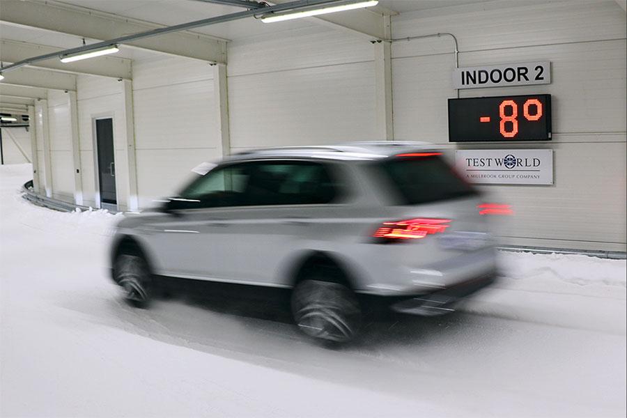 Auto Bild prueba un neumático de SUV para todas las estaciones sobre la nieve en Finlandia